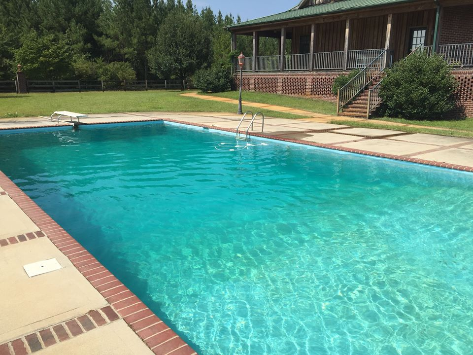 lodge-swimming-pool3